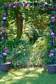 Wedding Arch Greenery How To Diy A Floral Wedding Arch In One Afternoon