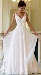 plain wedding dresses 6 plain wedding dresses for chic and simple style