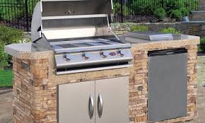 How To Build A Backyard Grill by How To Cook A Steak On A Gas Grill Overstock Com