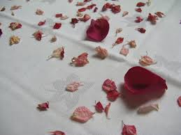 Real Flower Petal Confetti - the confetti blog decorating with rose petals ideas and