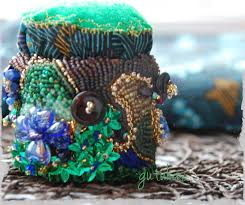 Making Pin Cushions All In Beads A Bead Embroidered Heavy Pincushion Tutorial