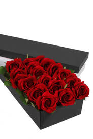 boxed roses 18 stem roses presentation box zflowers
