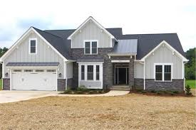 craftsman house plans one story modest ideas 1 5 story craftsman house plans bungalow houseplans