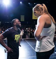 elena delle donne joins kevin hart to move nyc photos