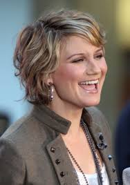 27 marvellous short layered hairstyles for over 50 u0027s u2013 wodip com