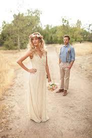 robe de mari e boheme chic s inspirant à la fois du style hippie chic et du thème de la vie d