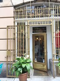 Golden Girls House Happily Wander Upon Rue La Rue Cafe Effortless Style Blog