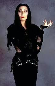 Addams Family Halloween Costume Ideas 25 Iconic Red Lips Film Morticia Addams Anjelica Huston