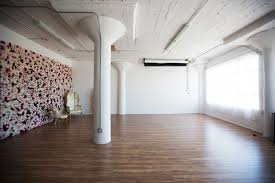 wood backdropadvanced makeup classes 3 downtown loft with wall and a bath tub los angeles