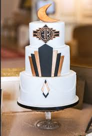 art deco great gatsby inspired wedding cake in black and gold
