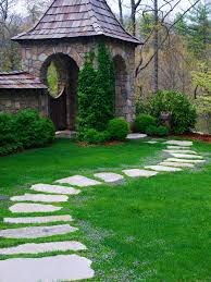 10 unique and beautiful diy garden paths you can put in your