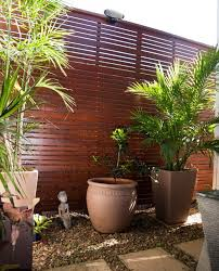 Backyard Fencing Cost - how much does fencing cost