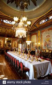 the huge dining table in the banqueting room at the royal pavilion
