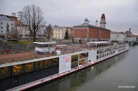viking river cruise decore
