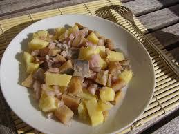 comment cuisiner le hareng salade de harengs fumés aux pommes de terre et oignons rouges