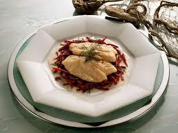 cuisiner filet de lieu noir recette du filet de lieu noir et risotto à la betterave top santé