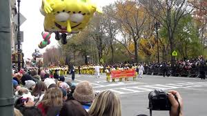 spongebob squarepants thanksgiving caitlin kara and sponge bob at macy u0027s thanksgiving day parade