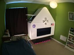 spaceship bedroom diy spaceship bedroom is a young maker s dream atmel bits pieces