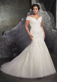 www wedding dresses trending 8 glamorous plus size wedding dresses you ll want to wear