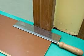Laminate Flooring Saw How To Lay Laminate Flooring Around Doors Howtospecialist How