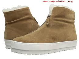 womens boots zappos winter the style 2017 s boots 10 crosby derek lam lara