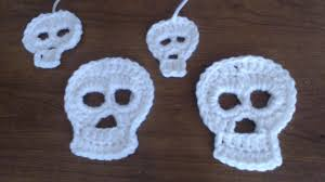 how to crochet a skull applique 2 different sizes youtube