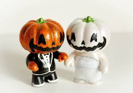 wedding finds for halloween themed i dos jack o lantern cake topper