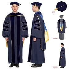 college graduation gown best 25 doctoral regalia ideas on graduation regalia
