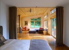 Schlafzimmer Ideen Kreative Raumteiler Für Das Platzsparende Und Trendige Schlafzimmer