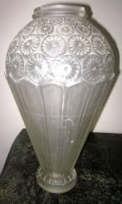 idee deco pour grand vase en verre vase art déco genet michon verre pressé décors géométriques fr