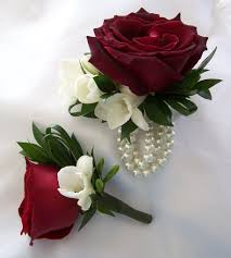 corsage and boutonniere for prom boutonniere wrist corsage roses freesia myrtle grass