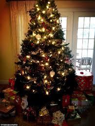 gisele bundchen shows off glittering tree as julianne hough