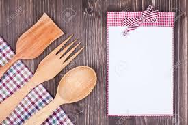 porte cuill鑽e de cuisine cuill鑽e en bois cuisine 100 images nopea cuillère en bois
