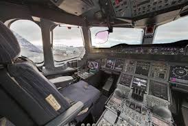 Airbus A 380 Interior Get A 360 View Of An Airbus A380 Flight Deck Airlinereporter