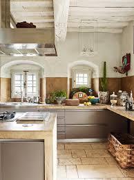les plus belles cuisines italiennes maison rustique entirement rnove en toscane vivons maison concernant