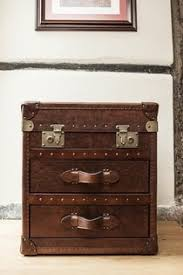 Trunk Bedside Table by 104 Best Traveling Trunks Images On Pinterest Vintage Trunks