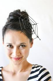 how to make halloween jewelry diy wire spiderweb fascinator deliacreates easy halloween