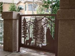 custom gates in aluminum or steel