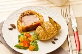 comment cuisiner un filet mignon de porc en cocotte filet mignon en croûte au foie gras morilles cuisine addict