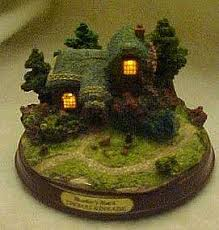 thomas kinkade lighted pictures kinkade lighted cottage figurine heather s hutch
