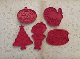 thanksgiving cookie cutters vintage tupperware red cookie cutters christmas thanksgiving