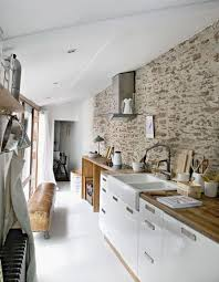 mur cuisine cuisine avec mur en de interieur blanche lzzy co