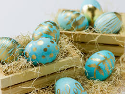 blue easter eggs gold leaf easter egg craft diy network made remade diy