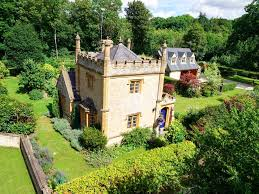 uk u0027s smallest castle is on sale for just 550 000 business insider