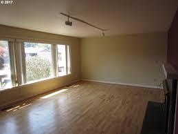 Laminate Flooring Eugene Oregon 473 Roan Dr Eugene Or Mls 17354540 Eugene Homes For Sale