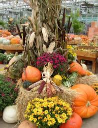 Fall Harvest Outdoor Decorating Ideas - pumpkin decorations designs and art for fall and halloween fall