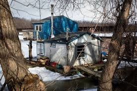 Trash House by Winona Houseboat Culture U0027s A Breeze If You Can Stay Afloat