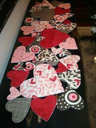 valentine s day table runner valentine s day table runner four different size hearts