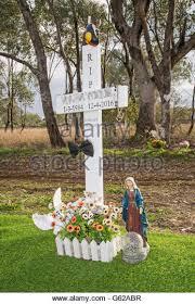roadside memorial crosses roadside memorial stock photos roadside memorial stock images
