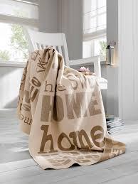 plaid marron pour canapé plaid couleur taupe beautiful enjoy home pta plaid fausse fourrure